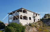 Villa in the first row to the sea for sale, vicinity of Rogoznica (2)