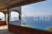Villa in the first row to the sea for sale, vicinity of Rogoznica (4)