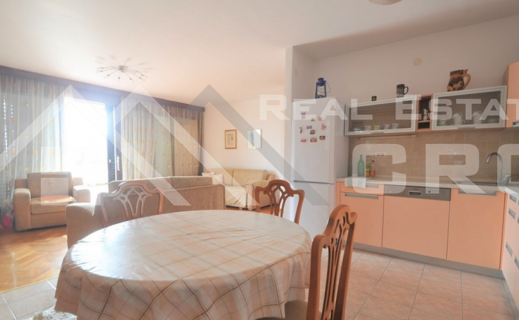 Three-bedroom apartment in one of the most attractive locations in Split for sale (1)