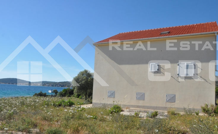 House in the first row to the sea for sale, vicinity of Rogoznica (1)