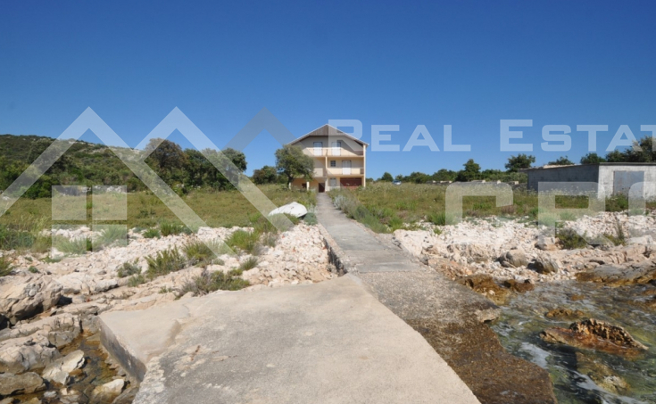 House in the first row to the sea for sale, vicinity of Rogoznica (2)