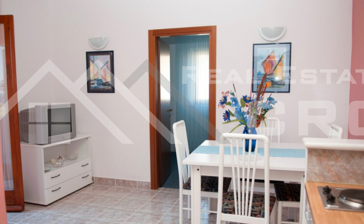 Apartment house with a beautiful sea view for sale, Brac Island (1)