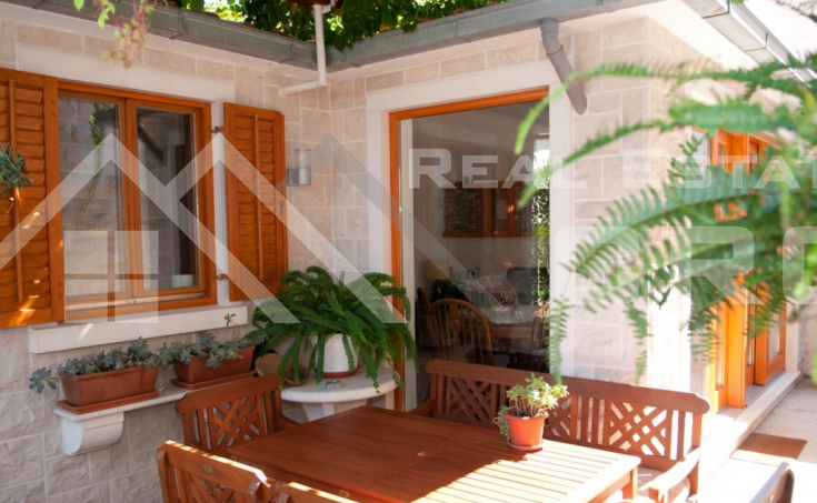 Apartment house with a beautiful sea view for sale, Brac Island (11)