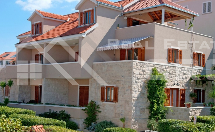Apartment house with a beautiful sea view for sale, Brac Island (12)