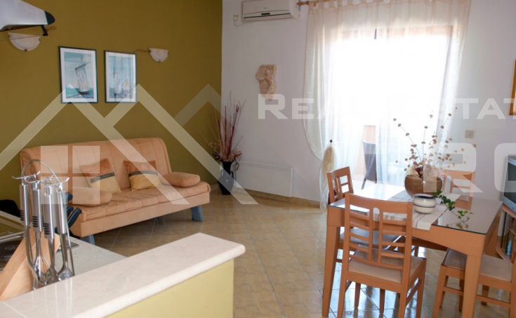 Apartment house with a beautiful sea view for sale, Brac Island (3)