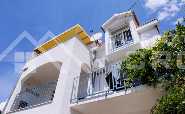 Kuća s pogledom na more na otoku Čiovu, na prodaju (10)