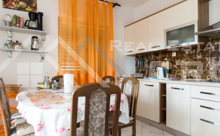 The apartment house in the first row to the sea for sale, Primosten (2)