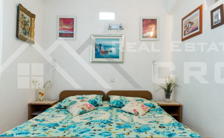 The apartment house in the first row to the sea for sale, Primosten (5)
