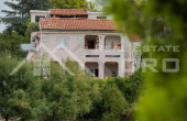 The apartment house in the first row to the sea for sale, Primosten (10)