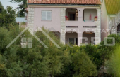 PR538, The apartment house in the first row to the sea for sale, Primosten