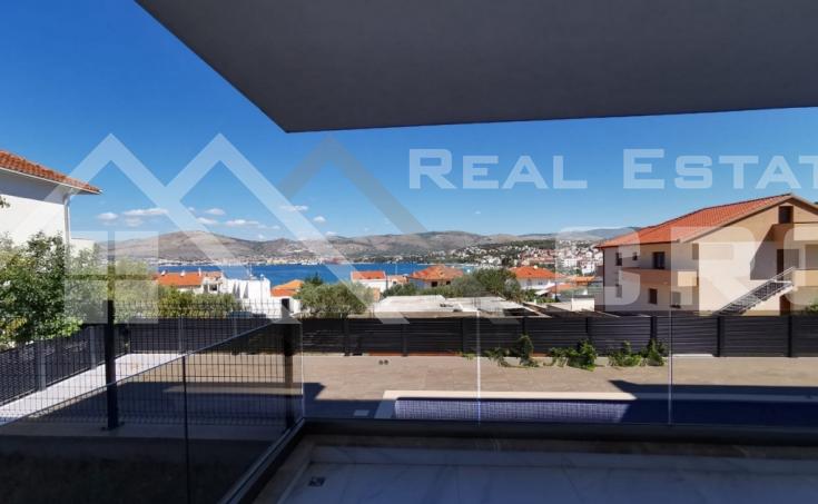 Nekretnine Čiovo - Novoizgrađeni stan s pogledom na more , na prodaju