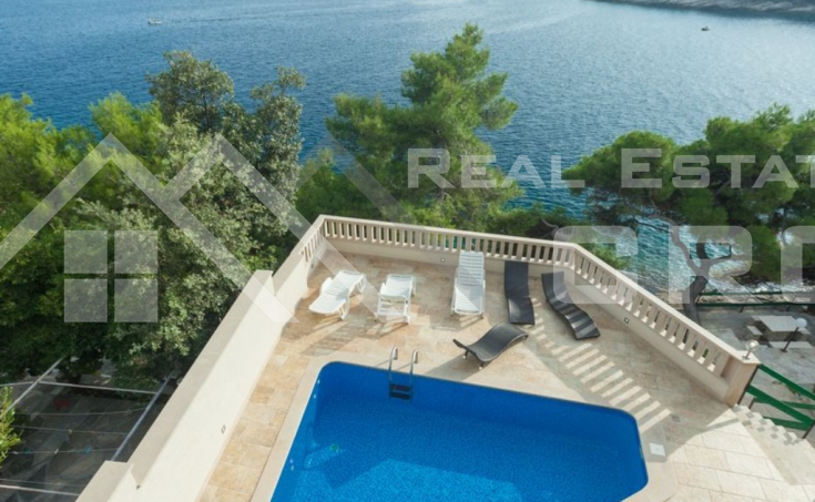 Villa in the first row to the sea for sale, Brac Island (9)