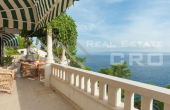 Villa in the first row to the sea for sale, Brac Island (11)