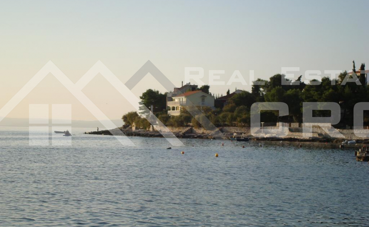 Apartment villa in the first row to the sea for sale, Ciovo Island (1)