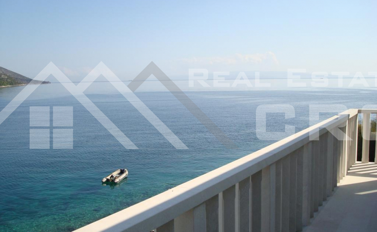 Apartment villa in the first row to the sea for sale, Ciovo Island (4)