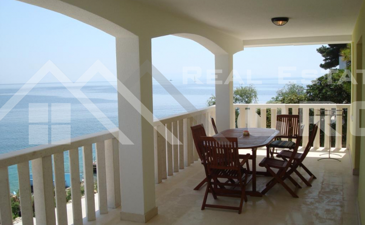 Apartment villa in the first row to the sea for sale, Ciovo Island (8)