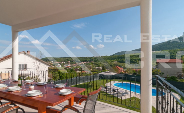 Family villa with swimming pool in Sinj, for sale (2)