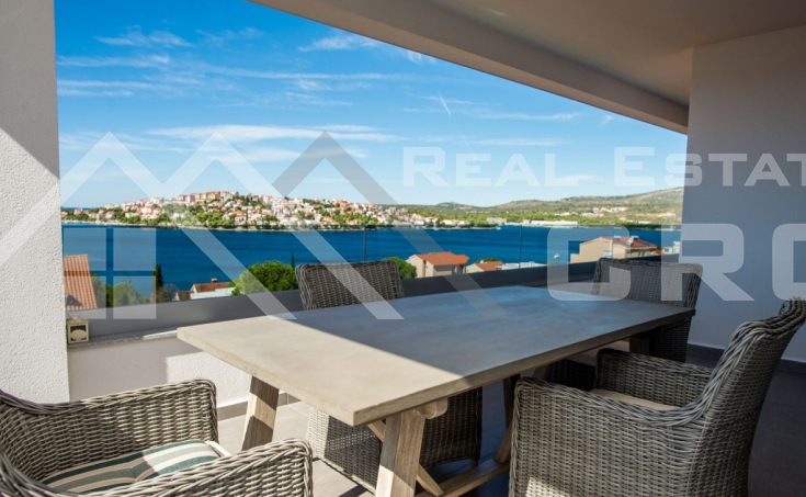 Amazing villa with gorgeous sea view in Rogoznica, for sale (7)