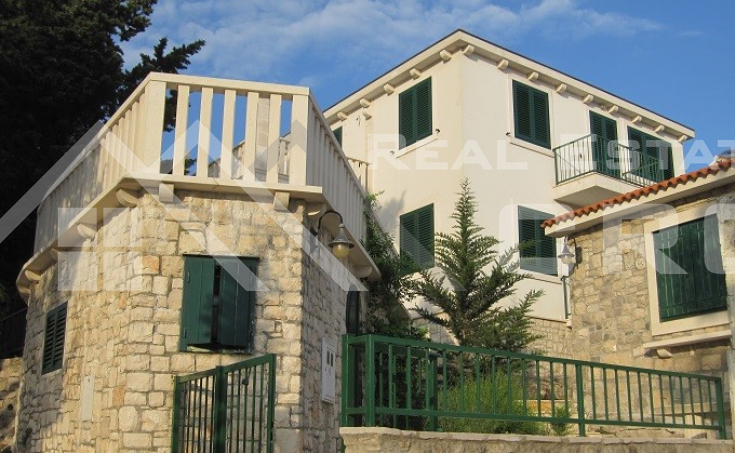 Detached house on an extremely atrractive location, for sale, Splitska, Brac island