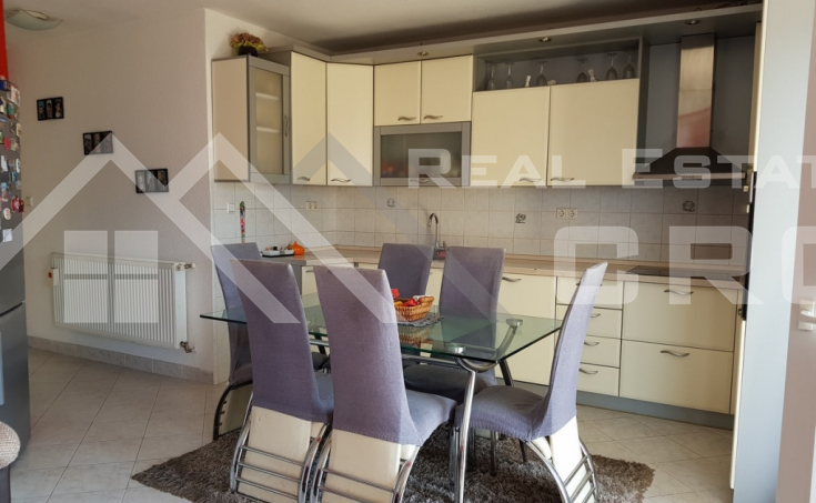 Family house in Sinj for sale