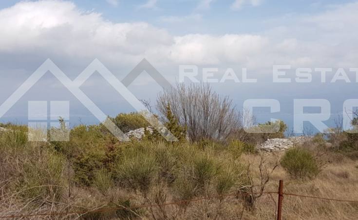Farmland with sea view on Brac Island, for sale