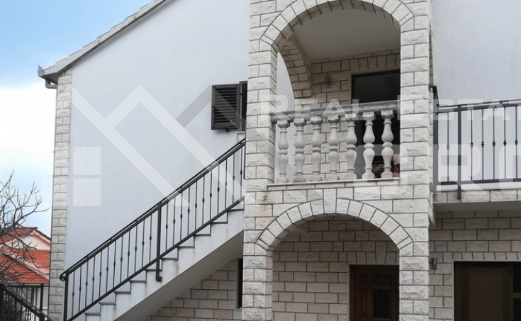 Residential house in Okrug Gornji for sale (4)