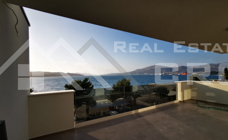 Penthouse in the first row to the sea for sale, Ciovo Island (20)