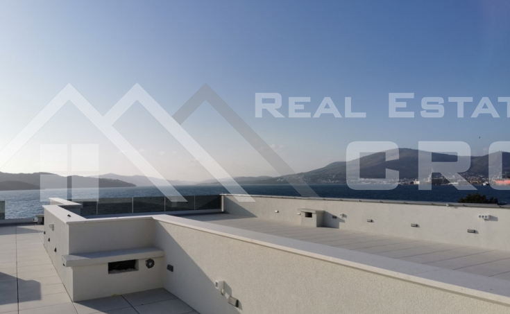 Penthouse in the first row to the sea for sale, Ciovo Island (23)