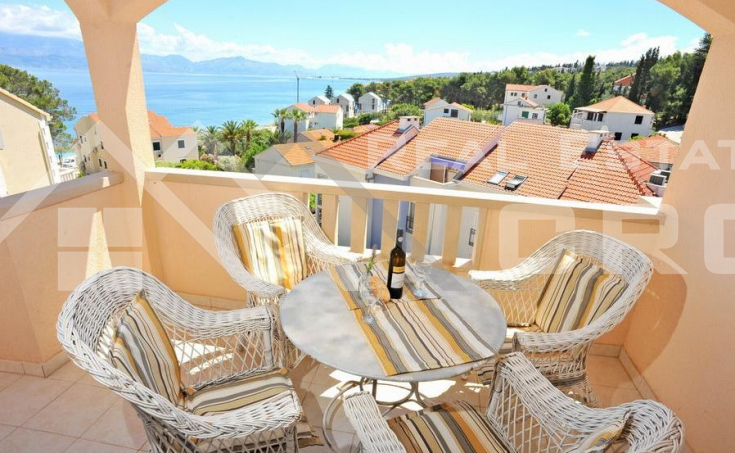 Apartment with a beautiful sea view, for sale, the island of Brac