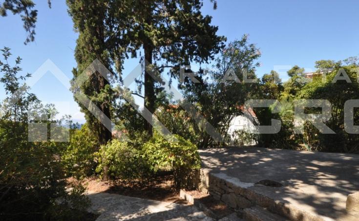 Seaview house for sale in nice location in Postira, Brac  (13)