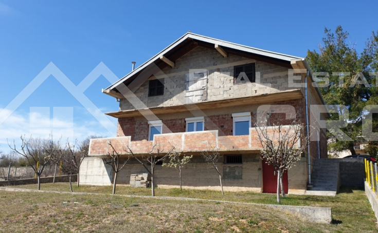 Detached unfinished house near Sinj, for sale