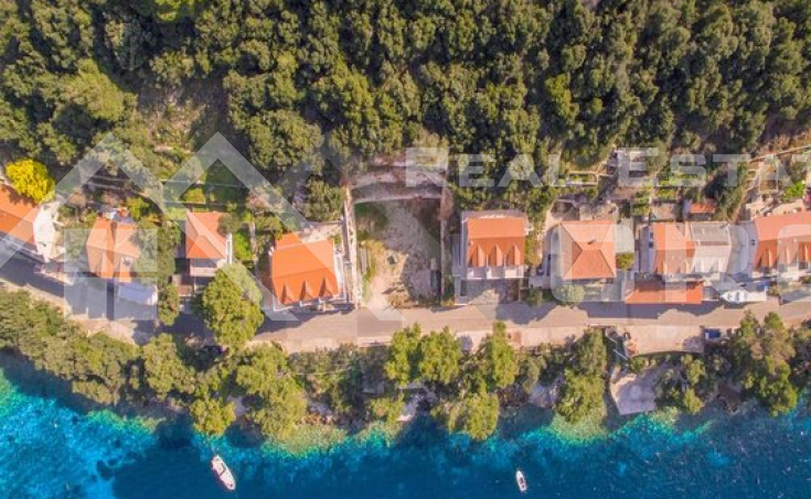 Building land in the first row to the sea on Lastovo Island, for sale (2)