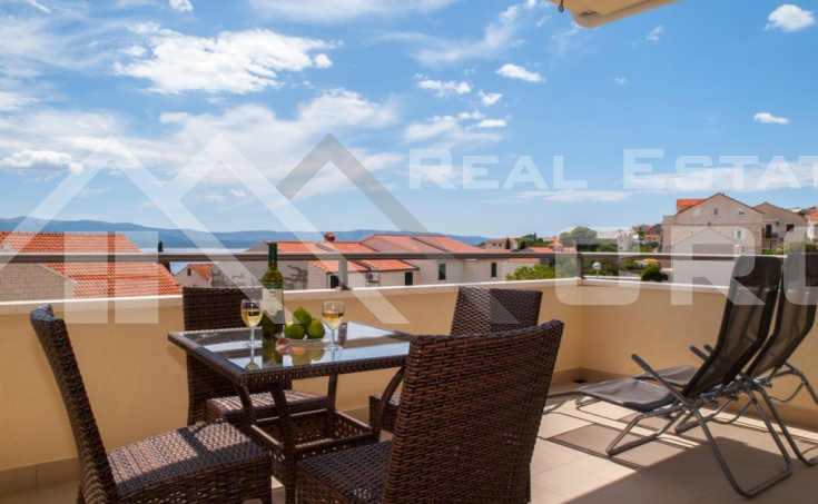Two-bedroom apartment with sea view for sale, Brac Island