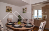 Two-bedroom apartment with sea view for sale, Brac Island (2)