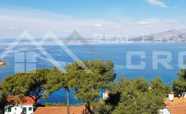 Magnificent stone villa with swimming pool and sea view on Brac Island, for sale