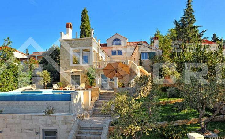 Magnificent stone villa with swimming pool and sea view on Brac Island, for sale (2)