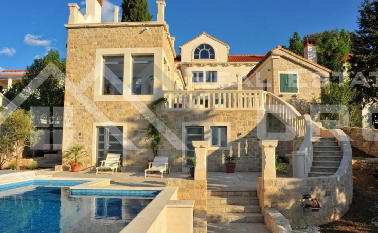 Magnificent stone villa with swimming pool and sea view on Brac Island, for sale (4)