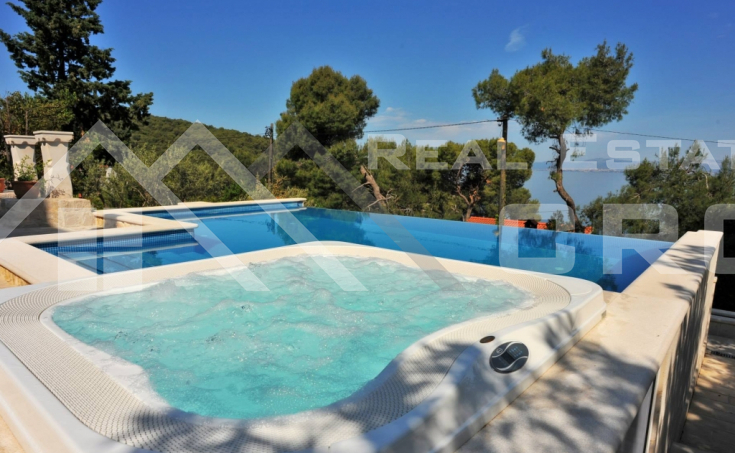 Magnificent stone villa with swimming pool and sea view on Brac Island, for sale (8)