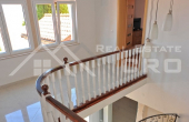 Magnificent stone villa with swimming pool and sea view on Brac Island, for sale (17)