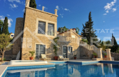 Magnificent stone villa with swimming pool and sea view on Brac Island, for sale (3)