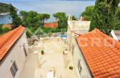 Magnificent stone villa with swimming pool and sea view on Brac Island, for sale (5)
