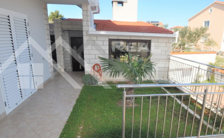 House with five apartments in attractive location on Ciovo Island, for sale  (2)