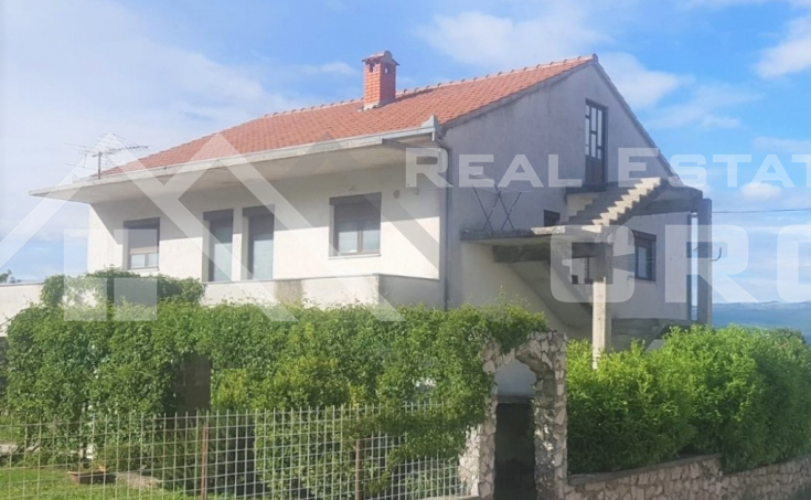 Detached house in the close vicinity of Sinj, for sale