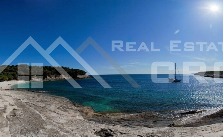 House in an amazing location on Vis Island, for sale (7)