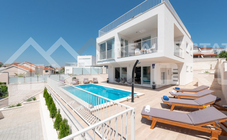Modern villa in the second row to the sea, Rogoznica (2)