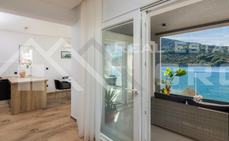 Newly built villa in the first row to the sea for sale, Trogir (6)