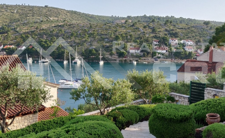 Villa with swimming pool and sea view for sale, Brac Island (4)