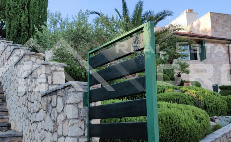 Villa with swimming pool and sea view for sale, Brac Island (5)