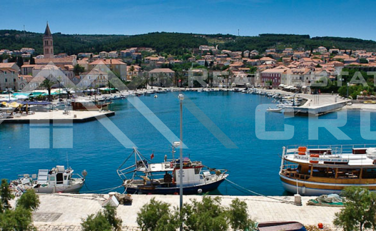 Newly built apartments in a very attractive location for sale, Supetar, Brac island