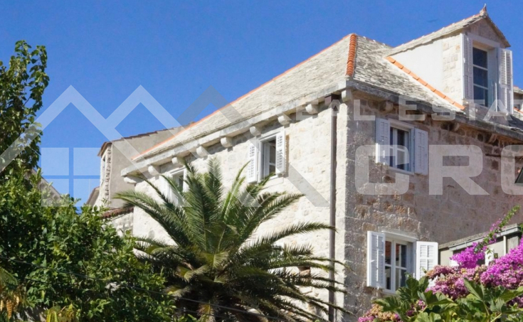 Old renovated stone house with sea view for sale, Sutivan, Brac Island